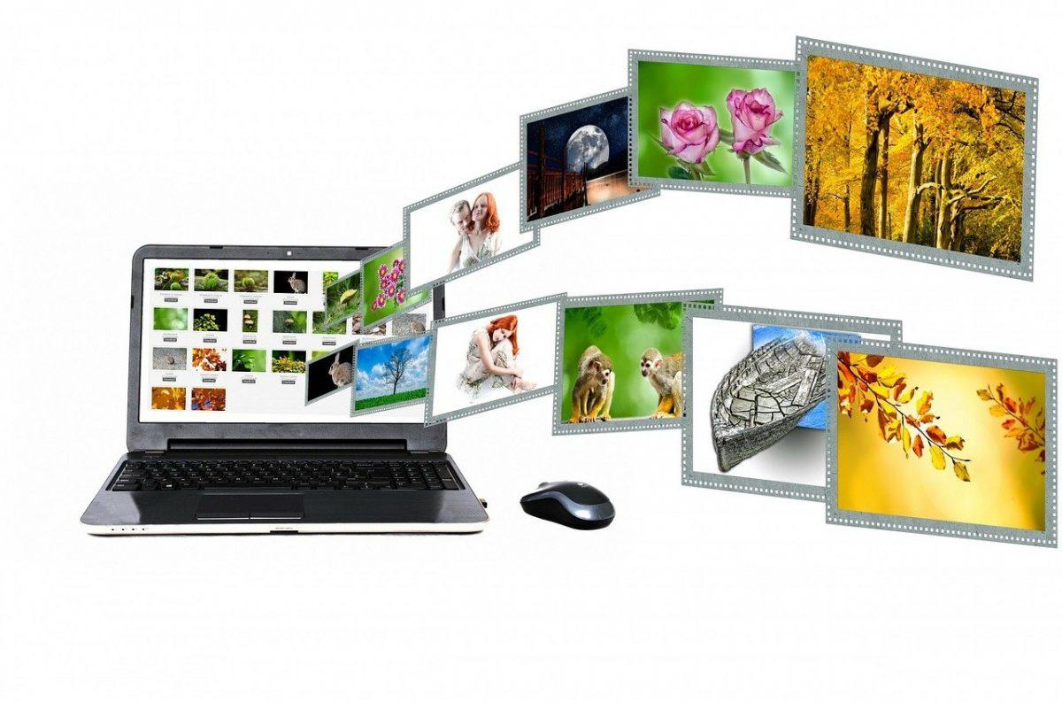 パソコンと動画のイメージ